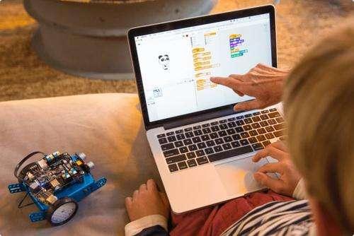 小孩子学习编程的好处有哪些