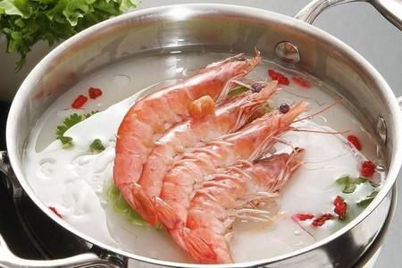 海底捞的人均消费量是多少?不到100元的价格让消费者享受到了美味。