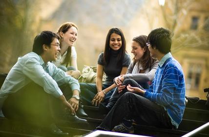 出国留学要注意什么?六个技巧助你适应当地生活