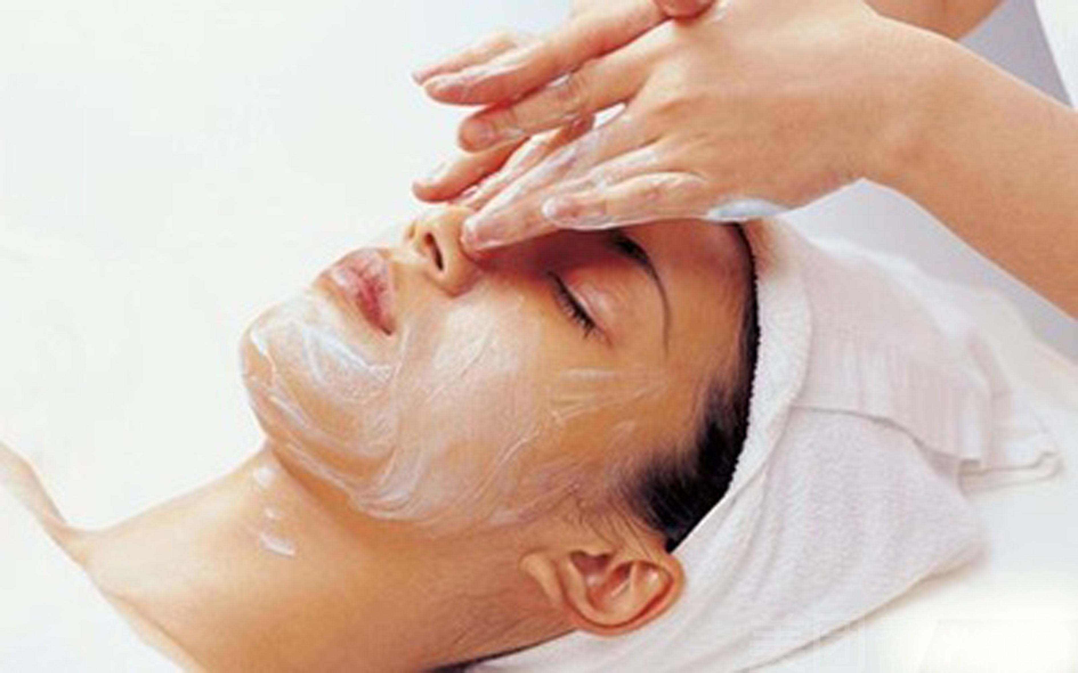 女人脸上长斑不一定是皮肤作怪 可能身体出现了问题